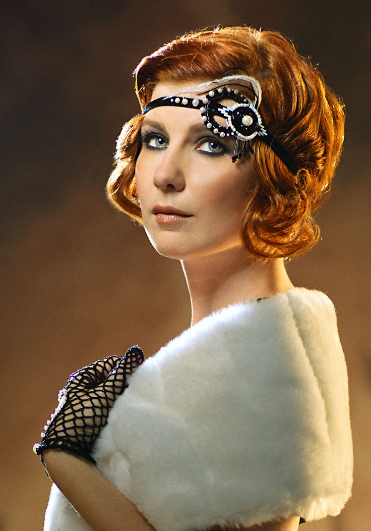 Hairstyles In The 20s : short bridal hairstyle Great Gatsby 20s headpiece