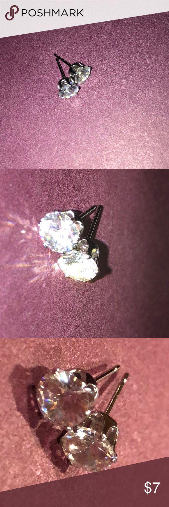 Silver diamond earrings Silver earrings only been worn once (not real diamond) Jewelry Earrings