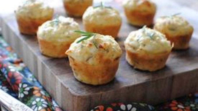 Savory goat chese, red onion and rosemary muffins