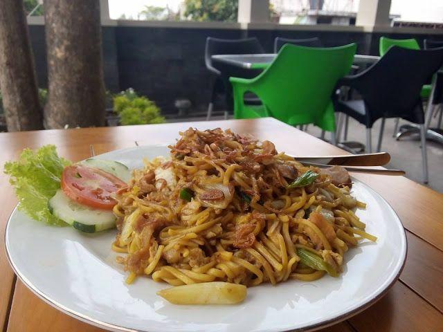 Jepun Fried Noodle dari Jepun View Resto, juara di kelasnya! For Information call at 085-736-383-736