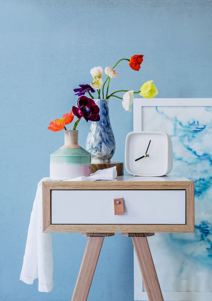 Pairing the punchy - Poppies with Anemones. Photography: Hannah Blackmore. Styling: Olivia Blackmore.