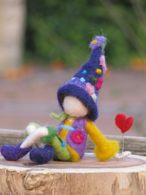Waldorf inspired needle felted Valentine gnome von Made4uByMagic