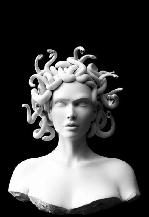 Escultura de l'oracle de Delfos, un personatge mitològic on deien les leyendes que si, miraves als ulls d'aquesta,  en converteixen en pedra a l'instant