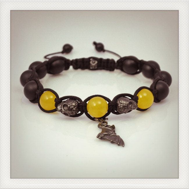 The spirit of Batman ! Shamballa style bracelet