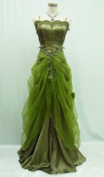 Absolutely love this -  both the style of the dress and the color!Forests, Vintage Gowns, Costumes, Green Gowns, Green Goddesses, Colors, Fairies Dresses, Evening Gowns, Green Dresses