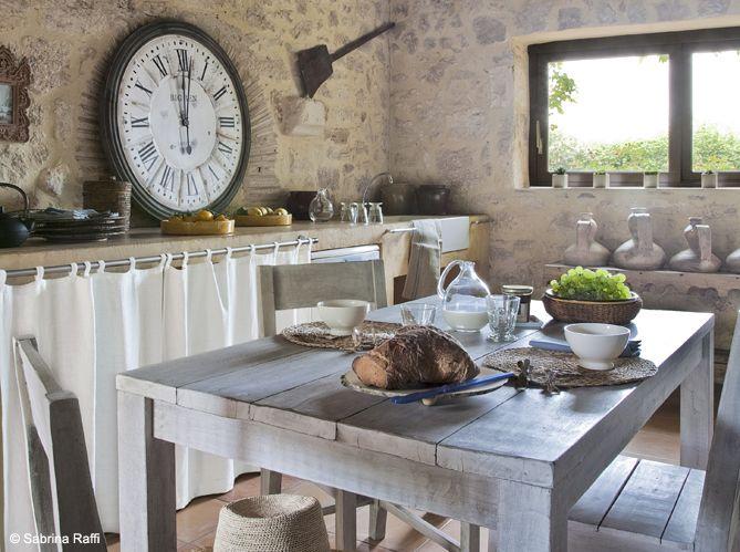 #table #bois #horloge