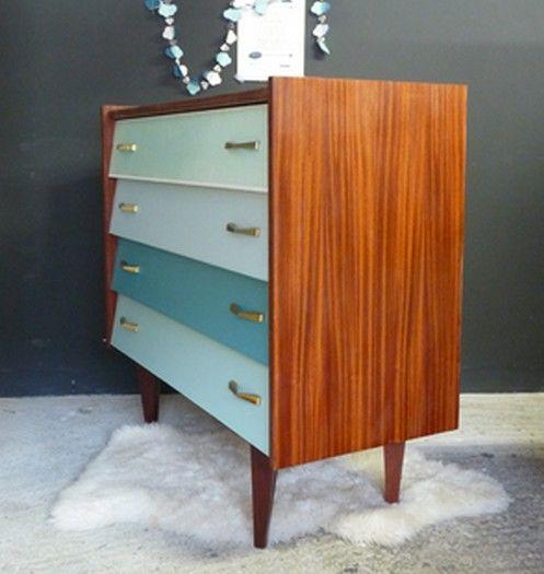 Commode vintage en dégradé de bleu Arsène - Meubles et mobilier vintage restauré, relooké   Design Rétro chic