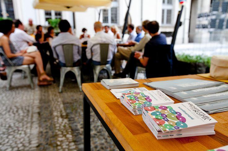 """Il dibattito """"4 for 0"""", venerdì 3 luglio presso i MagazziniOz. Foto di Jana Sebestova #AIC2015 #sconfinamenti #MagazziniOz #Torino #succedequi"""