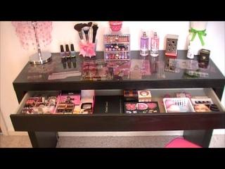 Awesome Makeup Desk..Ikea Malm Desk =)