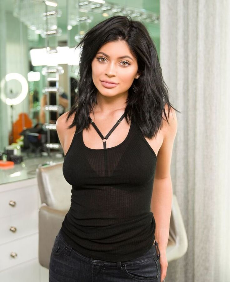 Kylie for TheKylieJenner.com