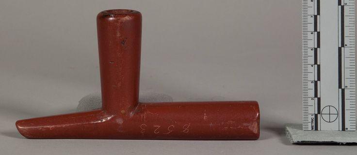 Чашка трубки, Оглала Лакота. Вид один. Донор: Army Medical Museum.  Коллекция: Dr Samuel M. Horton, 1866. Небраска/Вайоминг. NMNH.