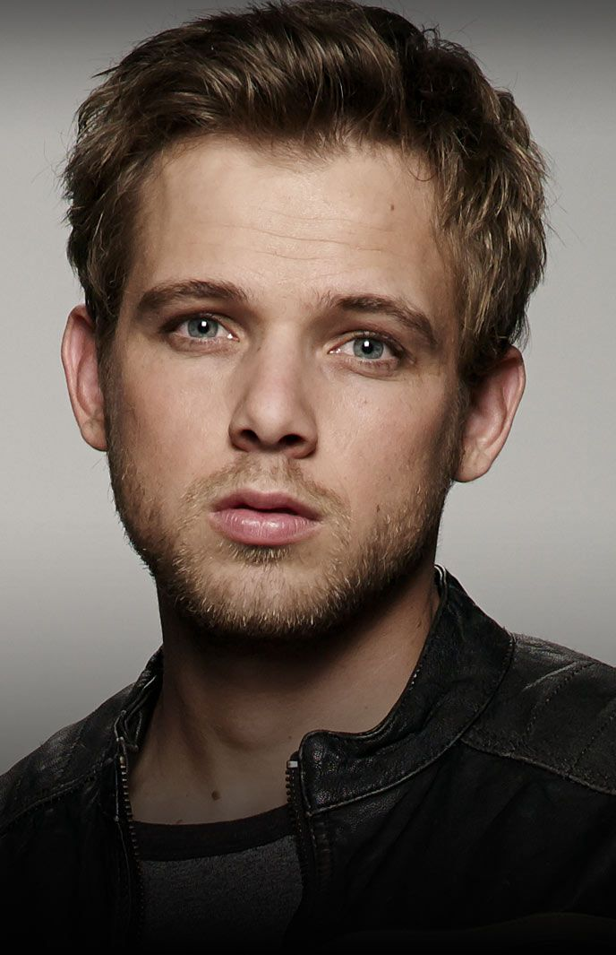 Max Thieriot - Bates Motel Cast - A&E