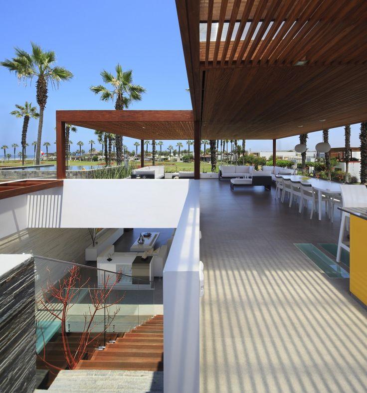 P12 House / Martin Dulanto