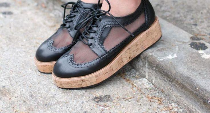 Cum sa porti pantofi cu talpa groasa si inalta