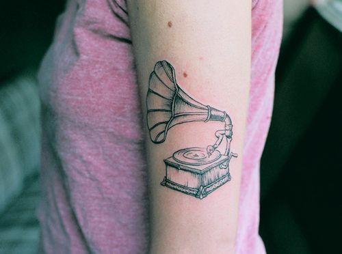 tatuagem-vitrola-gramofone-cuplover-tumblr-tattos-musica