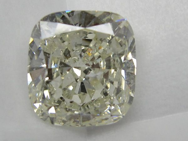 10.00 ct Cushion Cut Diamond . Now available in Melbourne.. To arrange a personal viewing call 03 9662 4422