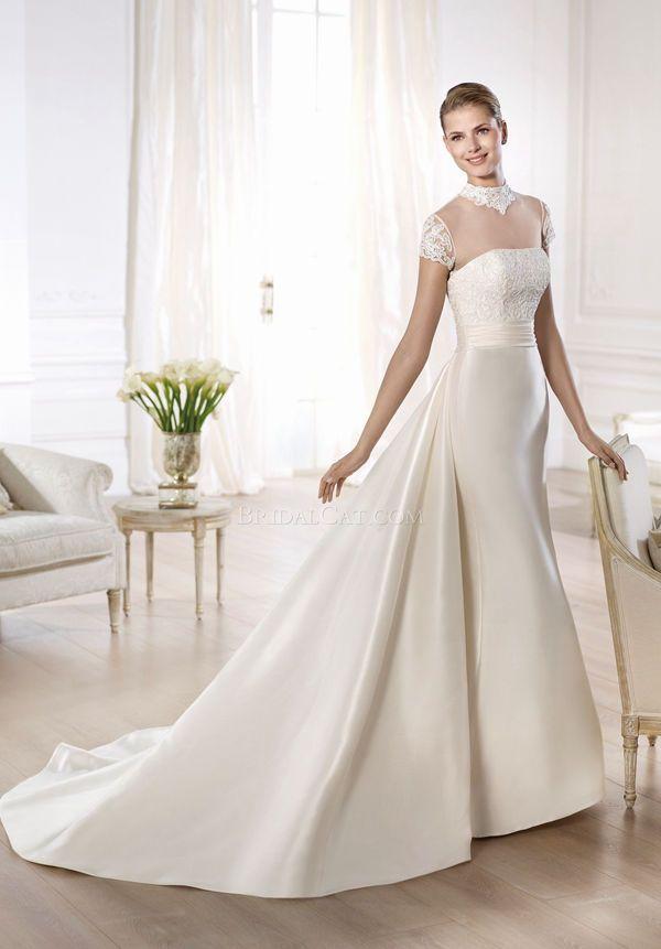 A-line Pronovias Onora Short sleeve High Neck Wedding Dress