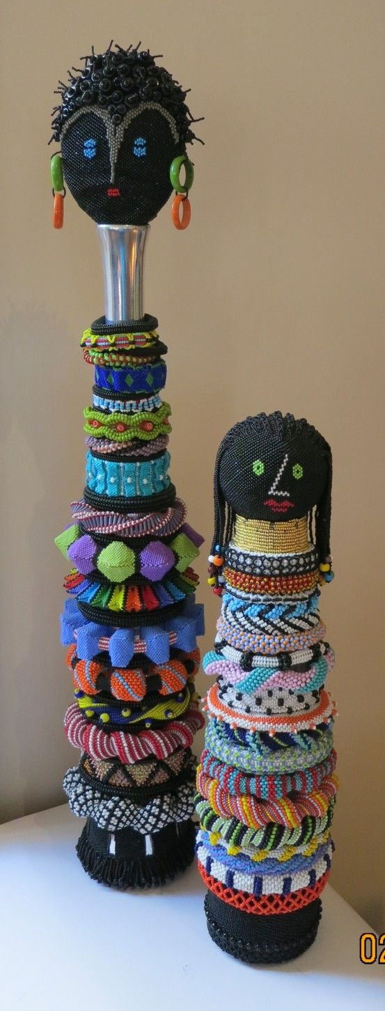 Beadwork by Yvonne Kuriata - I see my Indespiral in there :)
