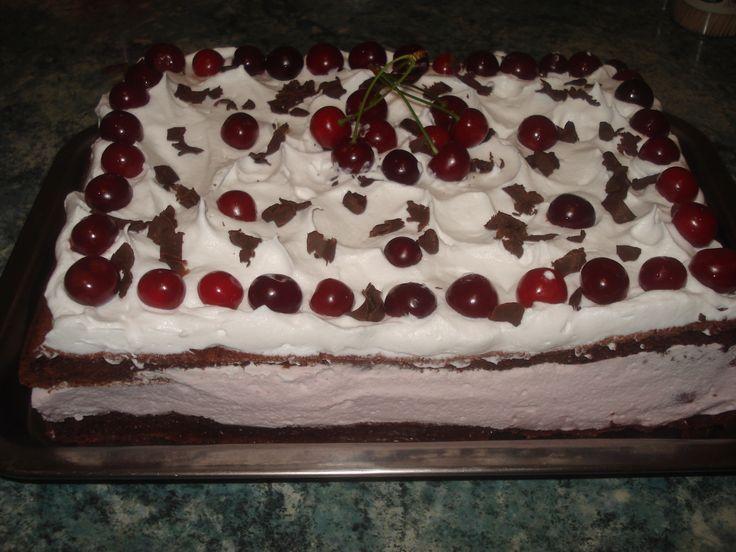 Vaníliakrémes meggyes sütemény, mámorító finomság! Nagyon könnyű recept, fantasztikus sütemény!