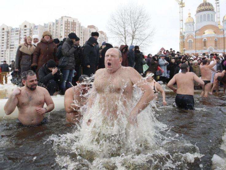 Un bagno nell'acqua gelata ci salverà. Trichechi si diventa