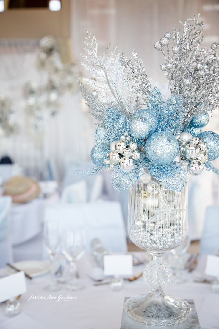 DY.o Events (aka. Duo) Silver, white and blue centrepiece