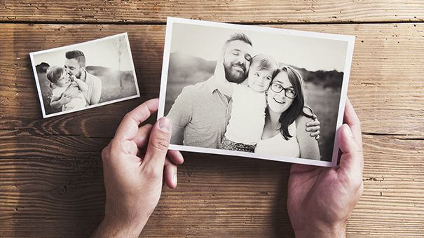 12 Smart Ways To Organize Old Photos