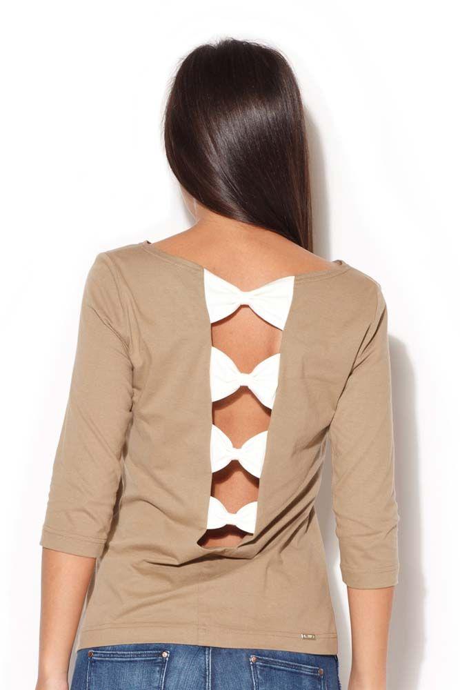 Beżowa bluzka z kokardkami na plecach