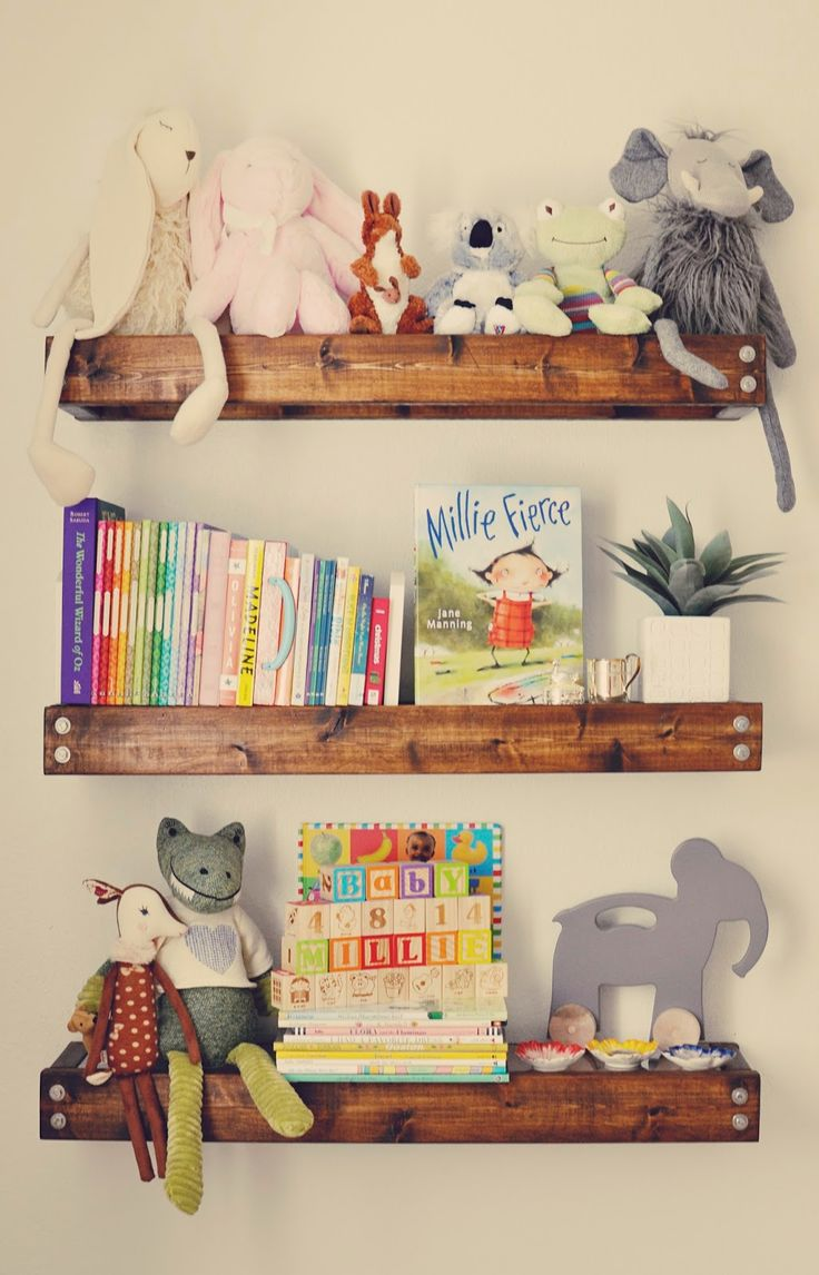 267 best images about cute girls bedroom ideas on for Cute bookshelf ideas