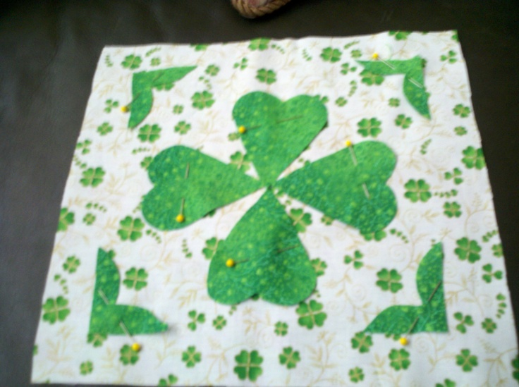 Irish Barn Quilt Patterns : 41 best images about irish quilts on Pinterest Purse patterns, Quilt and Dry goods