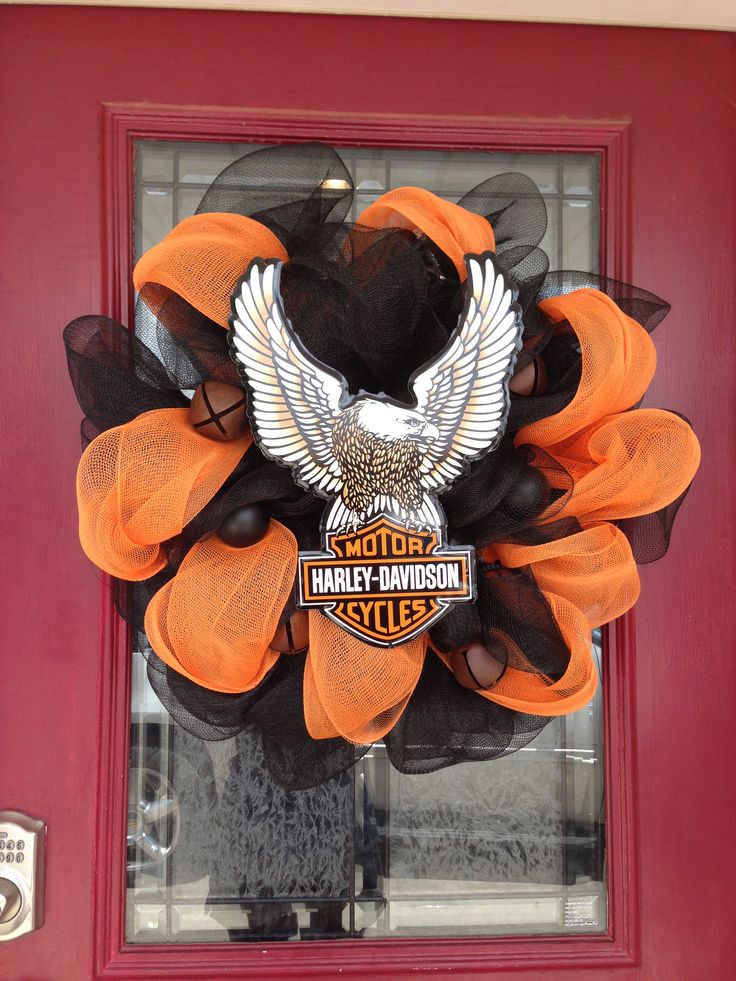 17 best images about wreaths front door decorations on for Deco harley davidson