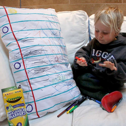 Such a cute idea - DIY Doodle Pillowcase