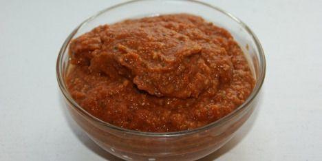 Rød pesto er godt supplement til mange forskellige typer af retter.