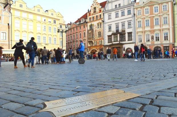Praga, il meridiano di Praga che porta al Ponte Carlo