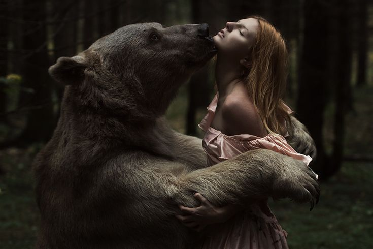 Beauty and the bear by Alexandra Truhacheva on 500px @Anna Zucchini