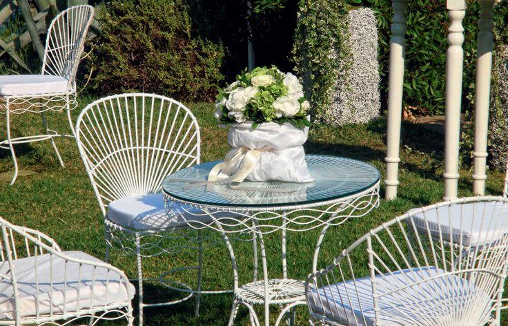 Zazoo Event Rentals - Private Party: Fer Forgé σαλόνι κήπου µε τραπέζι, καρέκλες και πολυθρόνες