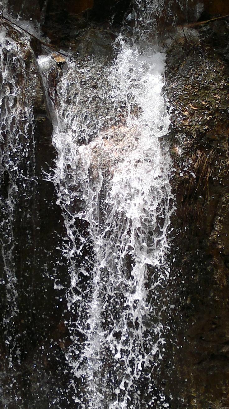 falling water drop down