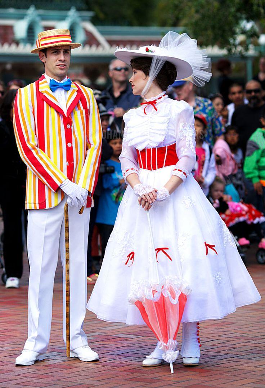 Disneyland // Mary Poppins and Bert at Disneyland | *o ...
