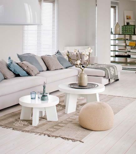twee witte salontafels zoals deze lijken mij ook mooi...