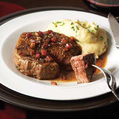 A 3-ounce serving of eye of round steak has only 138 calories, 1.2 grams of saturated fat and 3.5 grams of total fat.