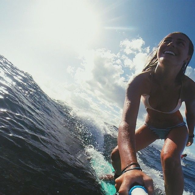 Fun in the sun. Little longboard session in shipwreck #nusalembongan ⚓️