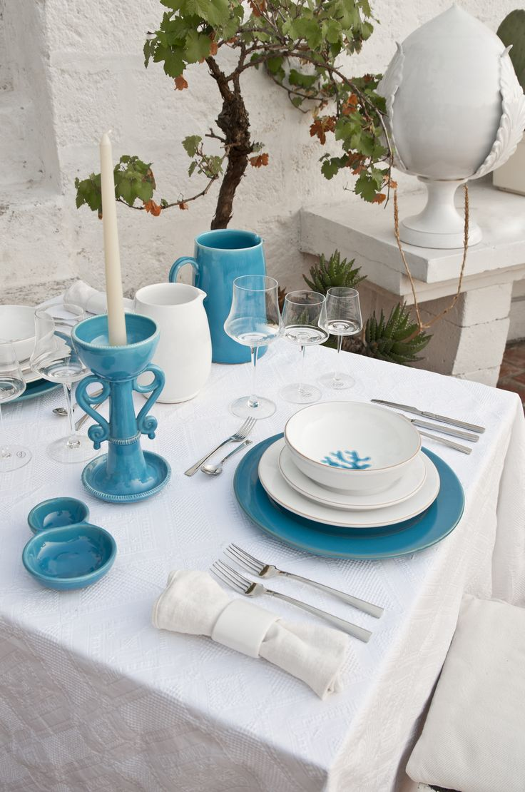 Turquoise Coral dinnerware... perfect for summer entertaining! Enza Fasano design.