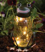 Frog Solar Led Yard Light 21'' Tall.