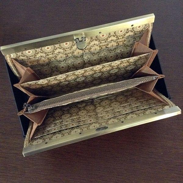 有栖川龍(ありすがわりゅう)文様の長財布の内装