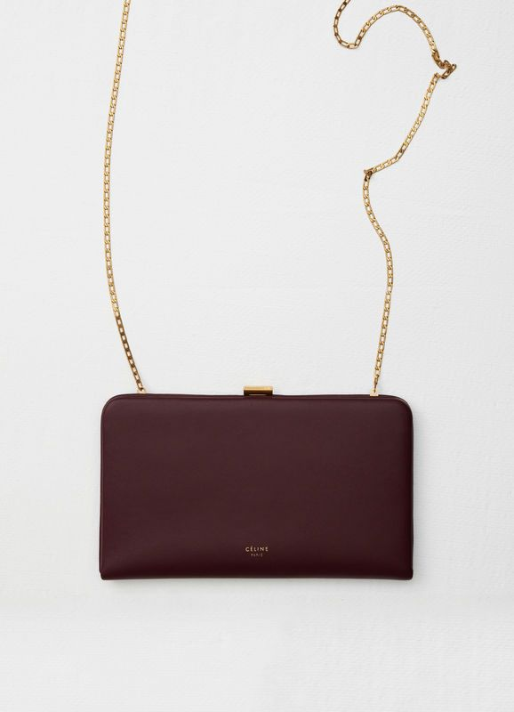 Clasp large wallet on chain in smooth calfskin  f096d88eeed53