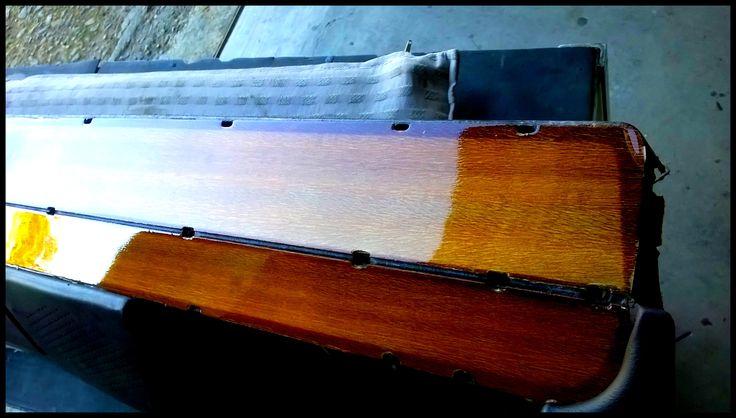 Inserti in legno montati sulla plancia/cruscotto di una Alfa Romeo Giulia del 1972