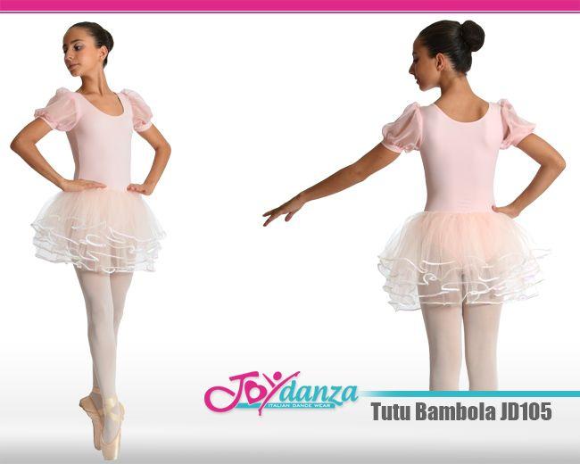 Tutù danza modello a bambola, confezionato con 4 veli di tulle morbido rifiniti con filo di paillettes. Il corpetto è realizzato in lycra con maniche a palloncino di velo.