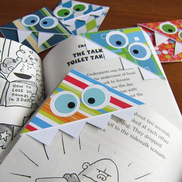 Easy Monster Bookmarks tutorial (made using envelopes) #kids #crafts #DIYgifts