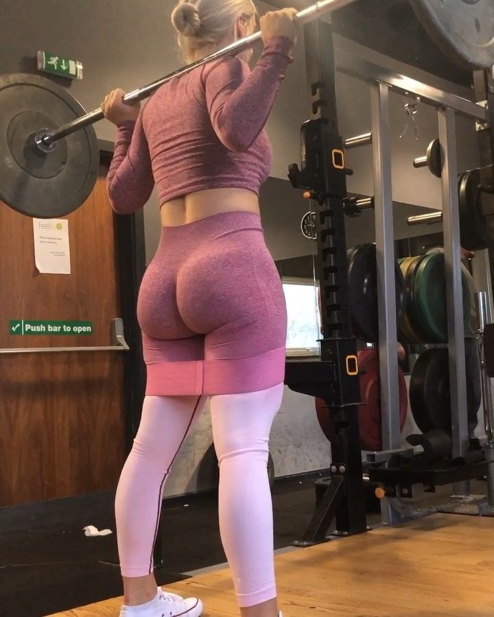 """42.5 mil Me gusta, 2,921 comentarios - G R A E   #GFG (@gracefituk) en Instagram: """"Booty & leg burner circuit coming in hot Add this onto your workout to get a soliiiid glute burn…"""""""