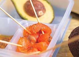 Gemarineerde zalm met avocado en mosterddressing