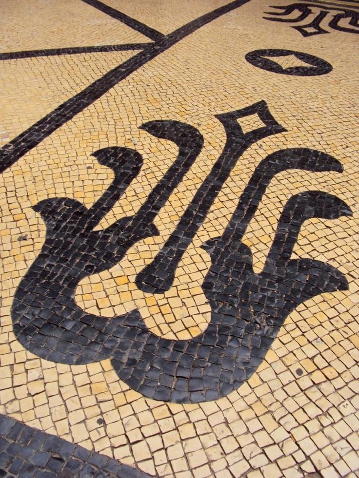 Portuguese pavement-art: Pelas calçadas de Lisboa.